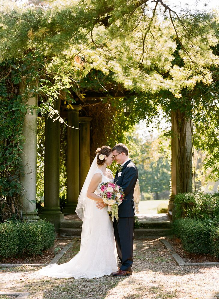 An Elegant, Vintage Wedding at Laurel Court in Cincinnati, Ohio