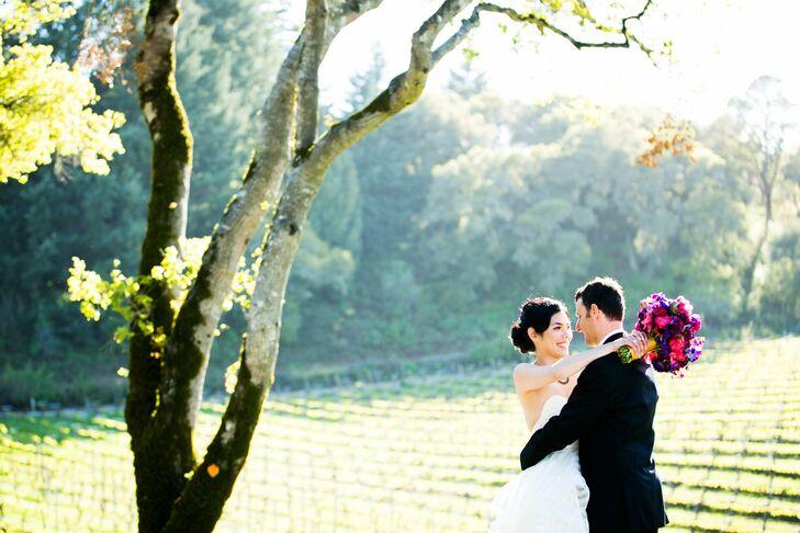 Jennifer and Eric used vibrant jewel tones to dress their vineyard wedding.