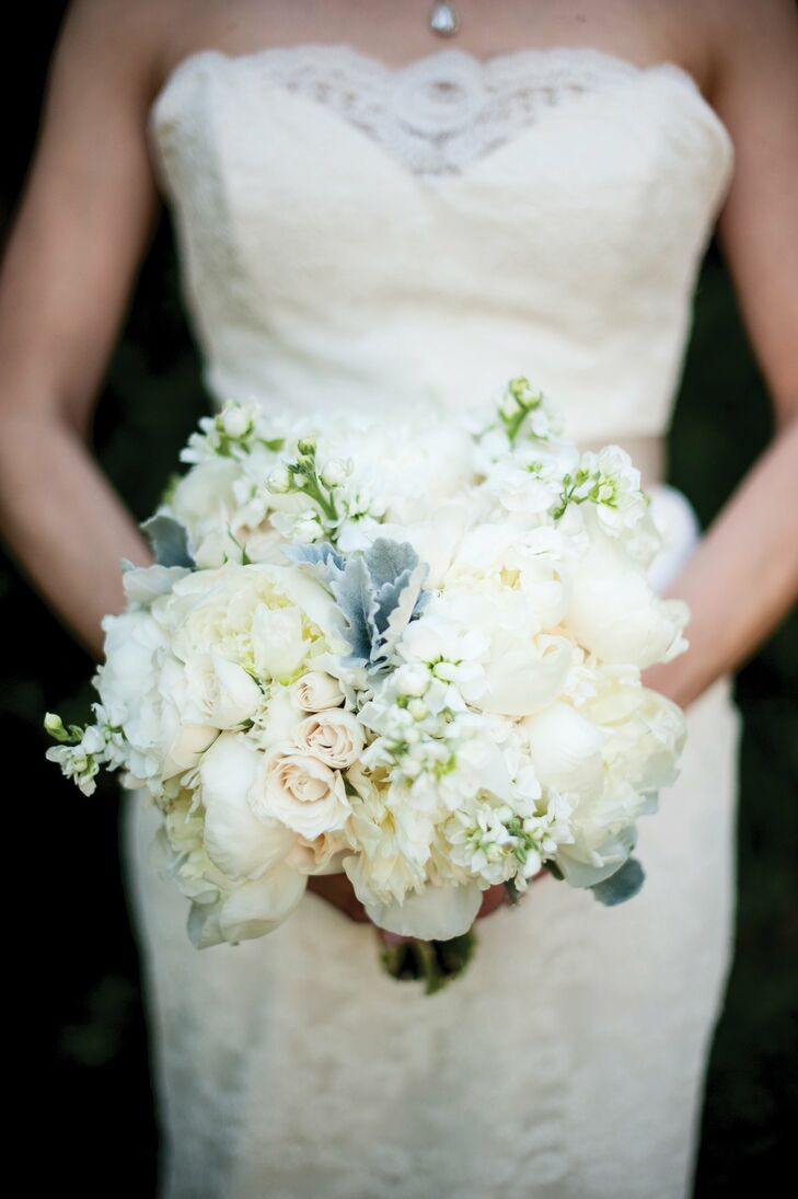 For her bouquet, Kate carried white peonies, garden roses, stock, spray roses and dusty miller.