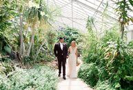 To complement their greenhouse wedding venue, Kelsey Krasnigor (28 and a writers assistant at Netflix) and Ian Levine (31 and an operations manager at