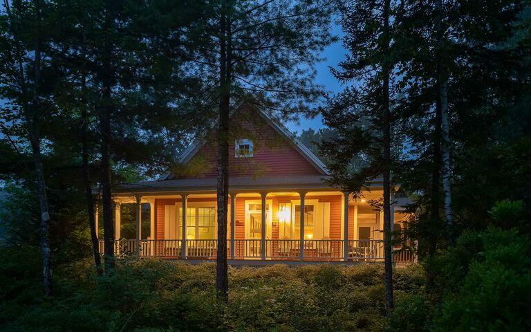 cabin exterior photo