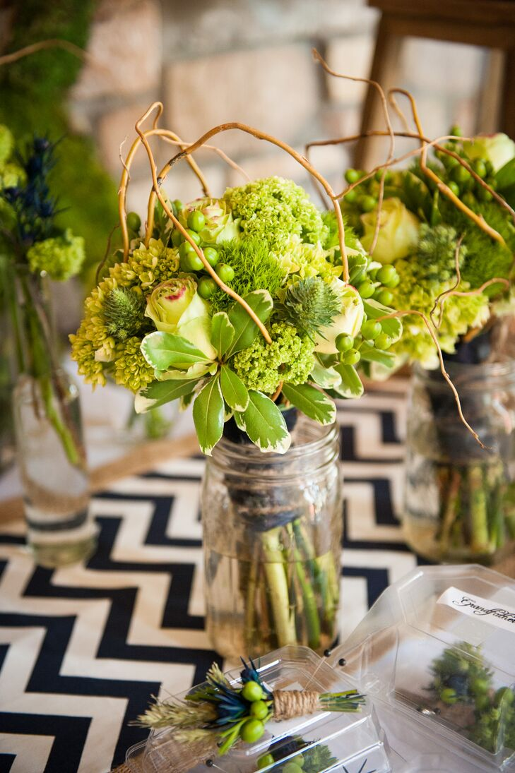 Bright Green Bridesmaid Bouquets