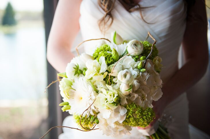 When it came to all the wedding's flowers, Shannon and Tom enlisted the help of the florists at Wild Orchid to bring their vision to life. The talented designers whipped up a beautiful spring-inspired arrangement of ranunculus, gerber daisies, hydrangeas and curly willows for Shannon to carry down the aisle.