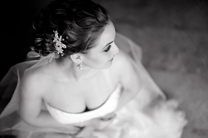 Heather wore a hair accessory designed by Mariell, who also designed her custom veil. she also wore vintage style drop gemstone earrings.
