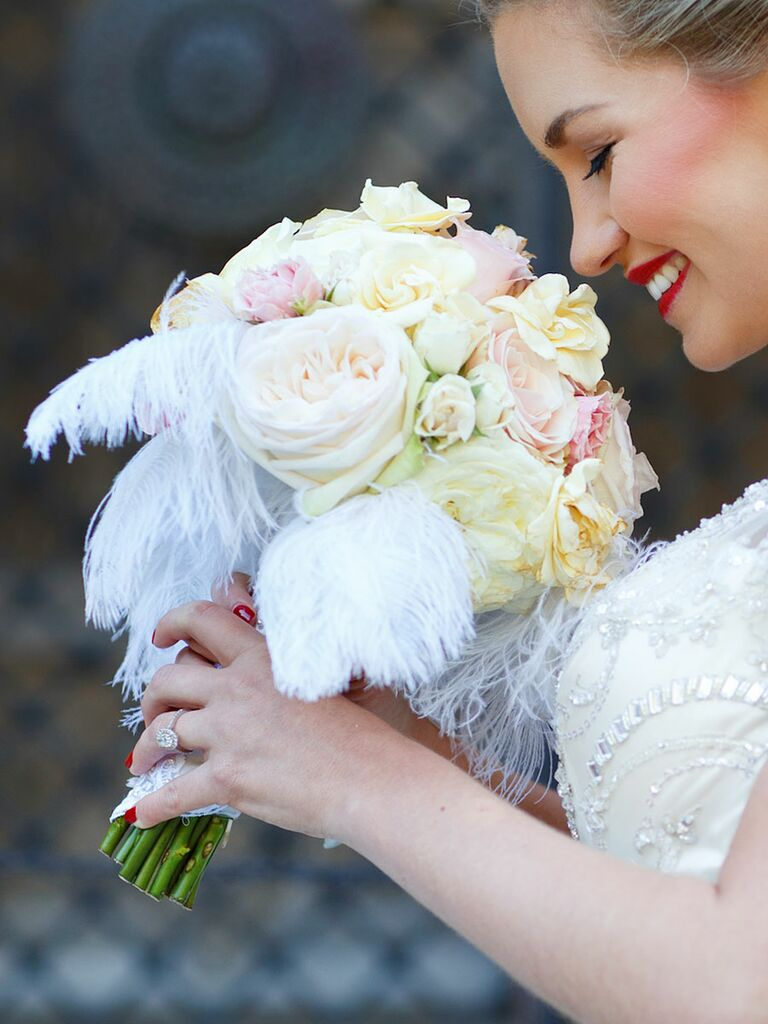 20 ideas for a unique wedding bouquet white wedding bouquet with ostrich feathers junglespirit Choice Image