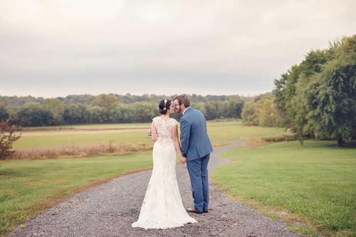 What started as a natural waterfront wedding ended in a dance party filled with shabby-chic details we love! Erin Kelly (29 and an NGO worker) and Cor