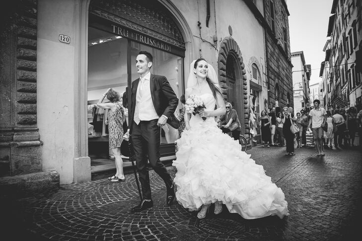 Bride and Groom in Piazza Anfiteatro, Lucca, Italy