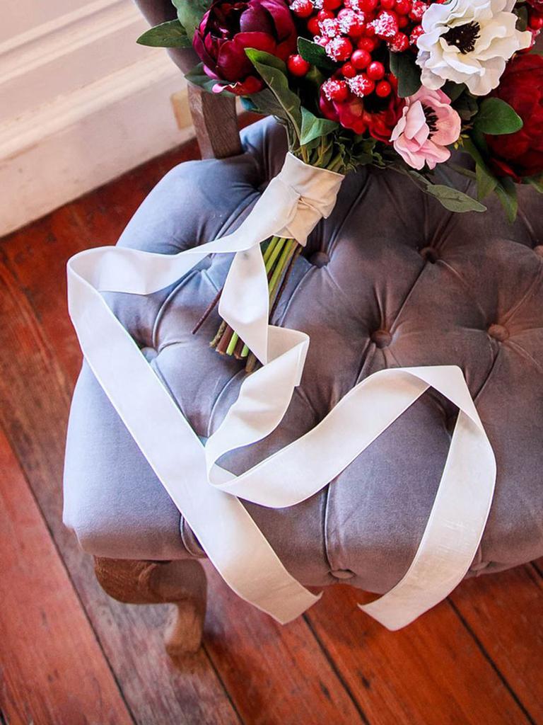 AFloral Bouquet Wrap