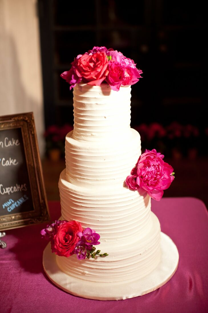 Michelle and Steve wanted their cake to look natural, so they asked for slightly messy buttercream frosting.