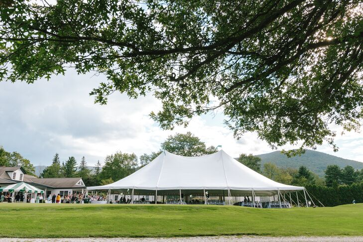 The reception took place under a large white tent at The Dorset Field Club, where Meredith spent years as a child playing tennis.