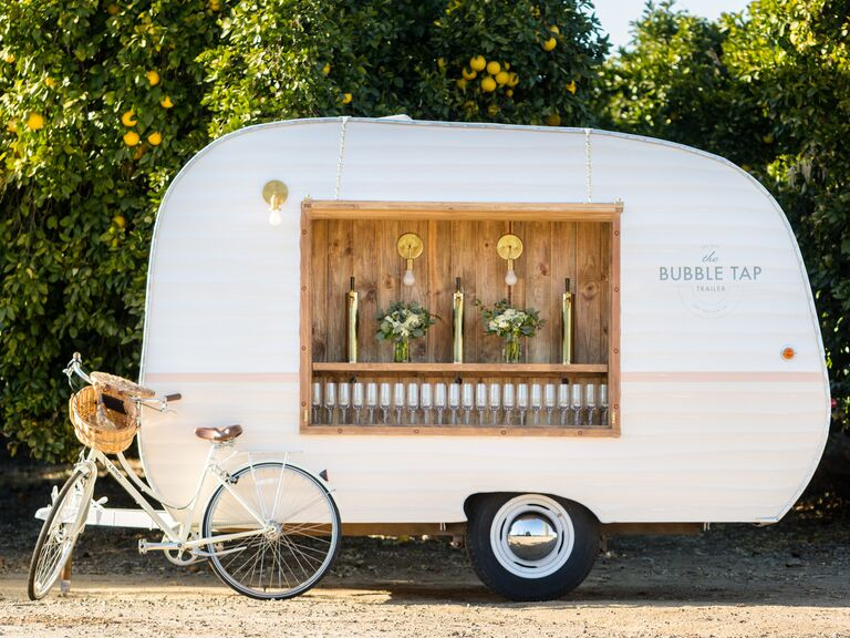 6 Insta-Worthy Mobile Bars You Can Rent for Your Wedding