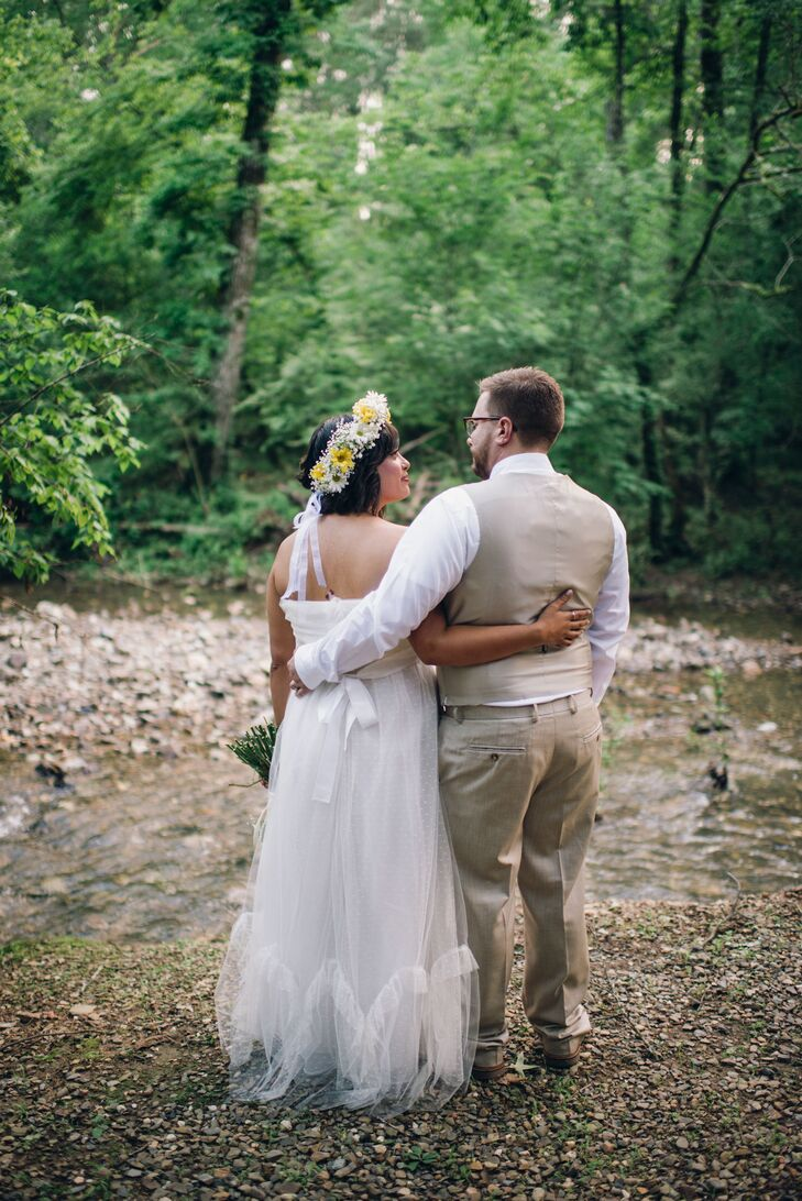 """This woodsy wedding makes us want to go camping! Inspired by the Wes Anderson film """"Moonrise Kingdom,"""" Namia Ouldsfiya (26 and a teacher) and Jared Ni"""
