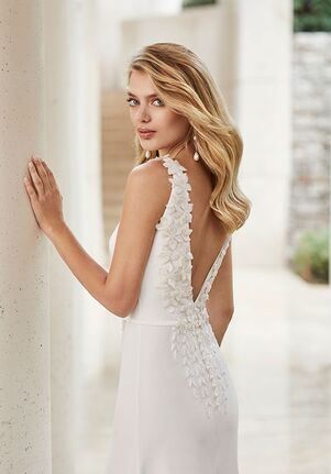 Rosa Clara Couture SENTIDO Sheath Wedding Dress