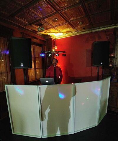 Cali West DJs