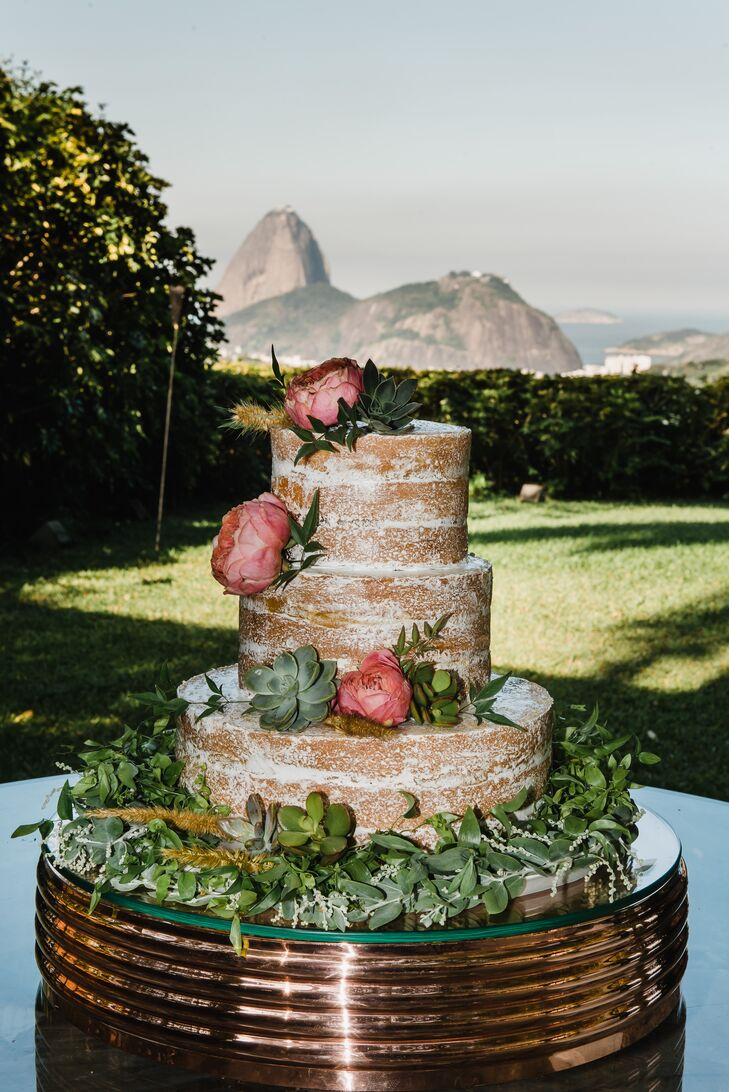 Rustic Naked Cake with Succulents and Roses