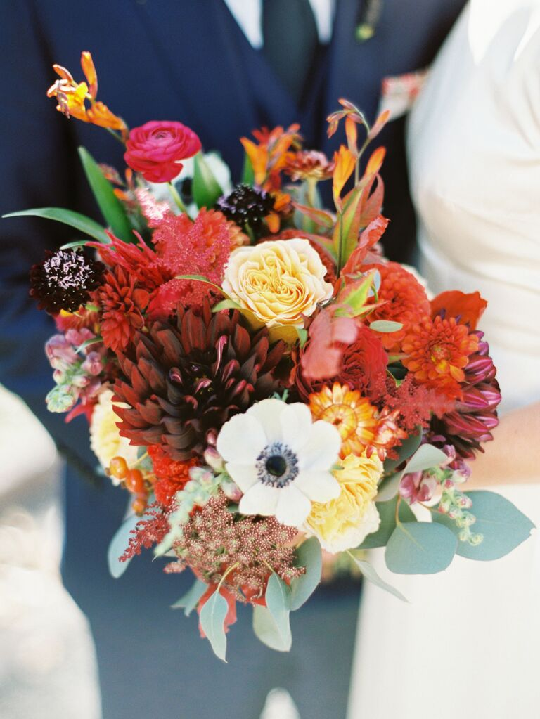 red and orange rustic fall wedding bouquet