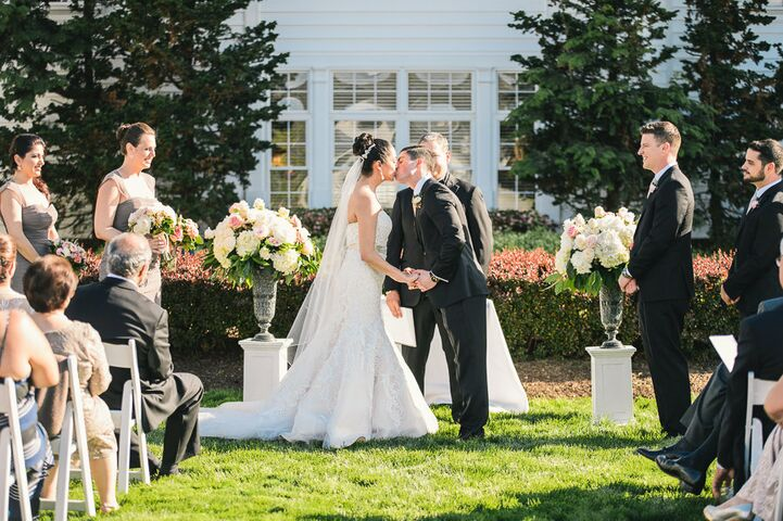An Outdoor Wedding Ceremony At London S Hunt Club: Heritage Hunt Golf And Country Club