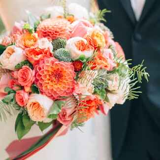 Ultimate guide to wedding flower names, seasons and prices