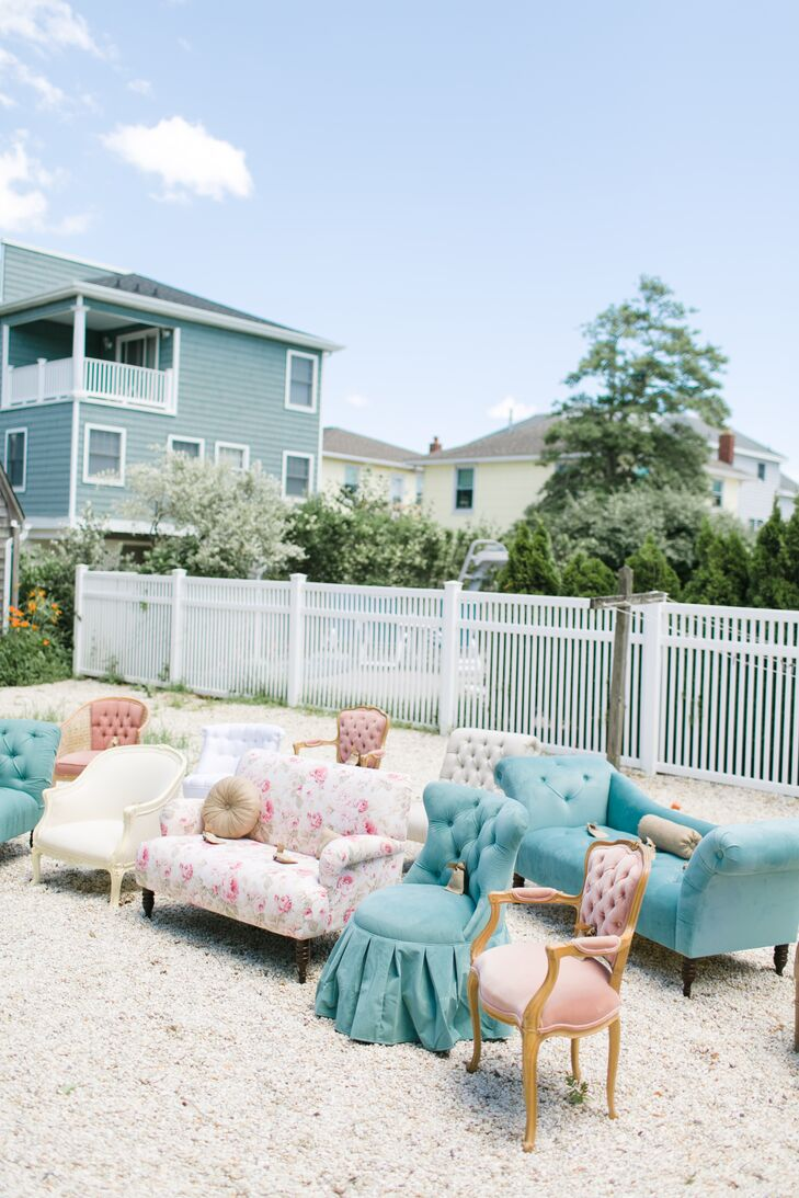 Blue and Pink Vintage Sofa Ceremony Seating