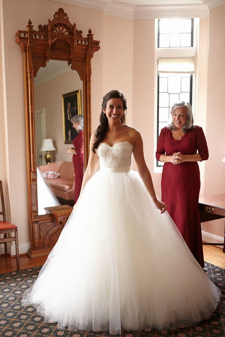 Sweetheart Neckline Ball Gown Wedding Dress