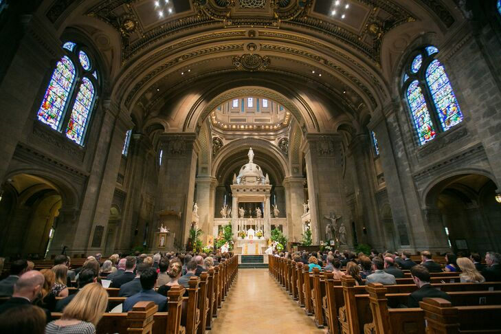 Located on its own city block on Hennepin Avenue in downtown Minneapolis, the couple loves that the Basilica is a Beaux Arts architectural landmark.