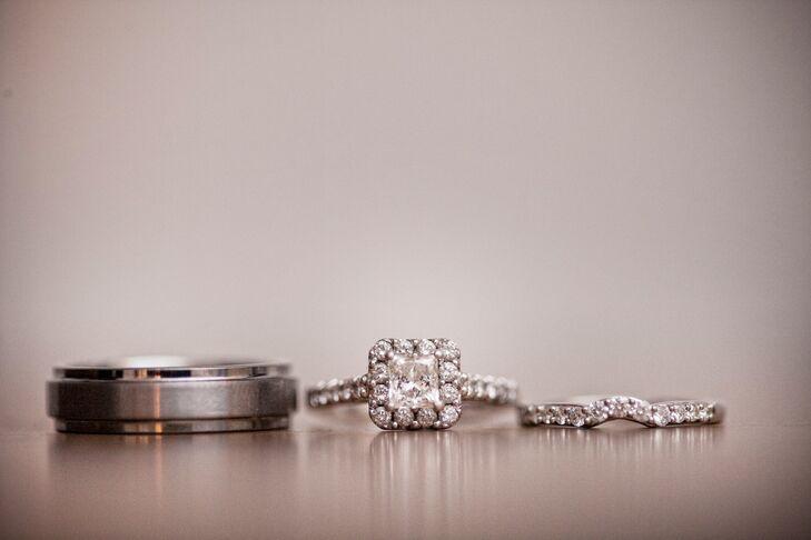 Halo Round-Cut Square Wedding Ring
