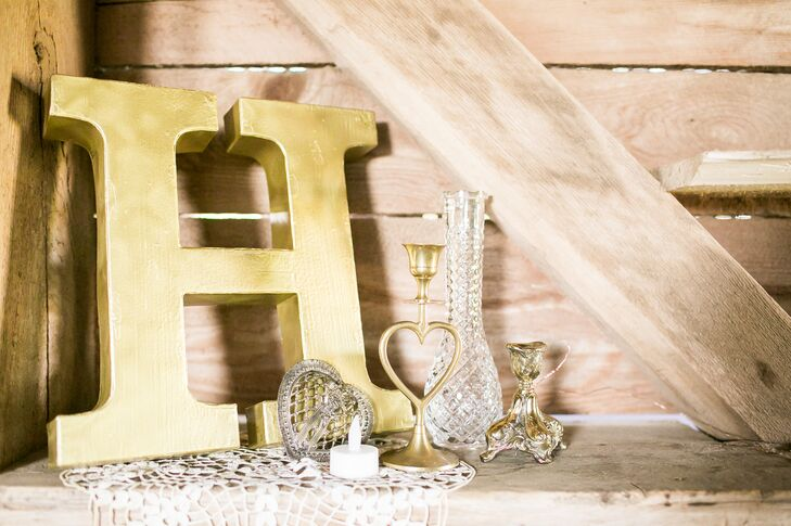 At the barn reception, décor adhered to a metallic color palette—primarily silvers and golds.