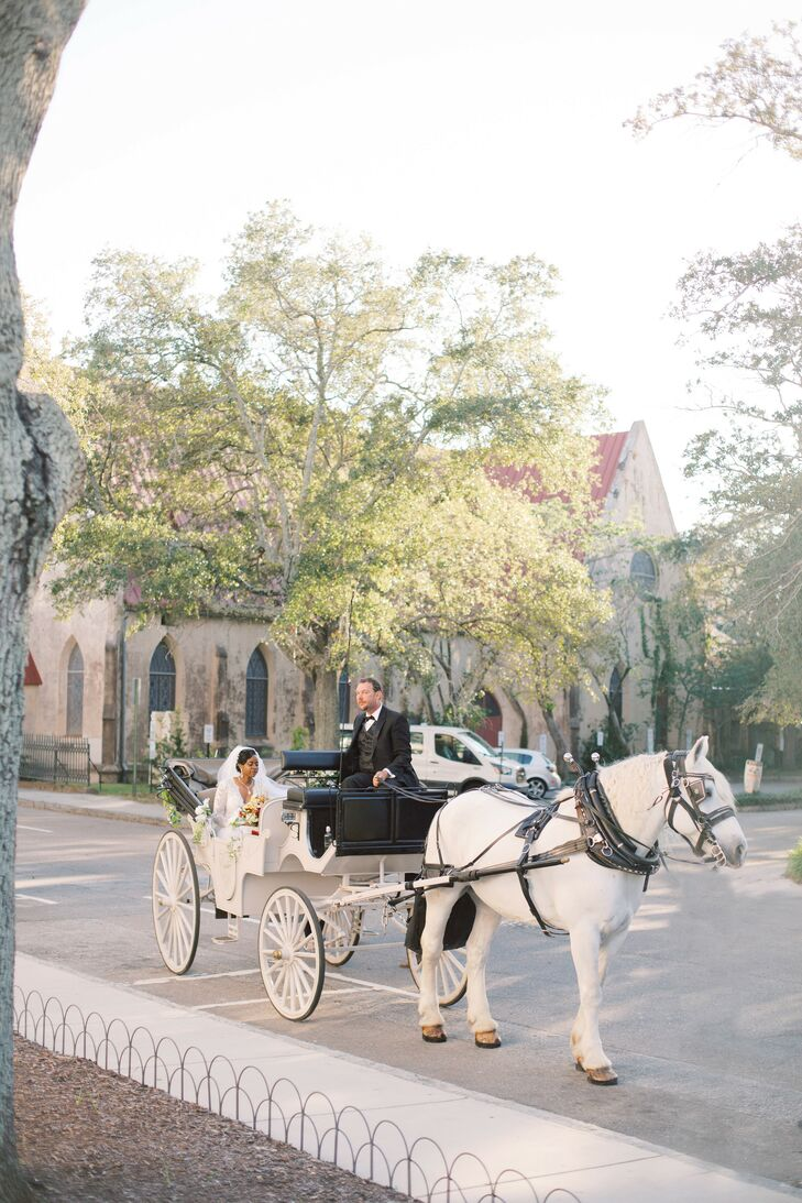Bride Arrives to Charleston, South Carolina, Ceremony in Horse-Drawn Carriage