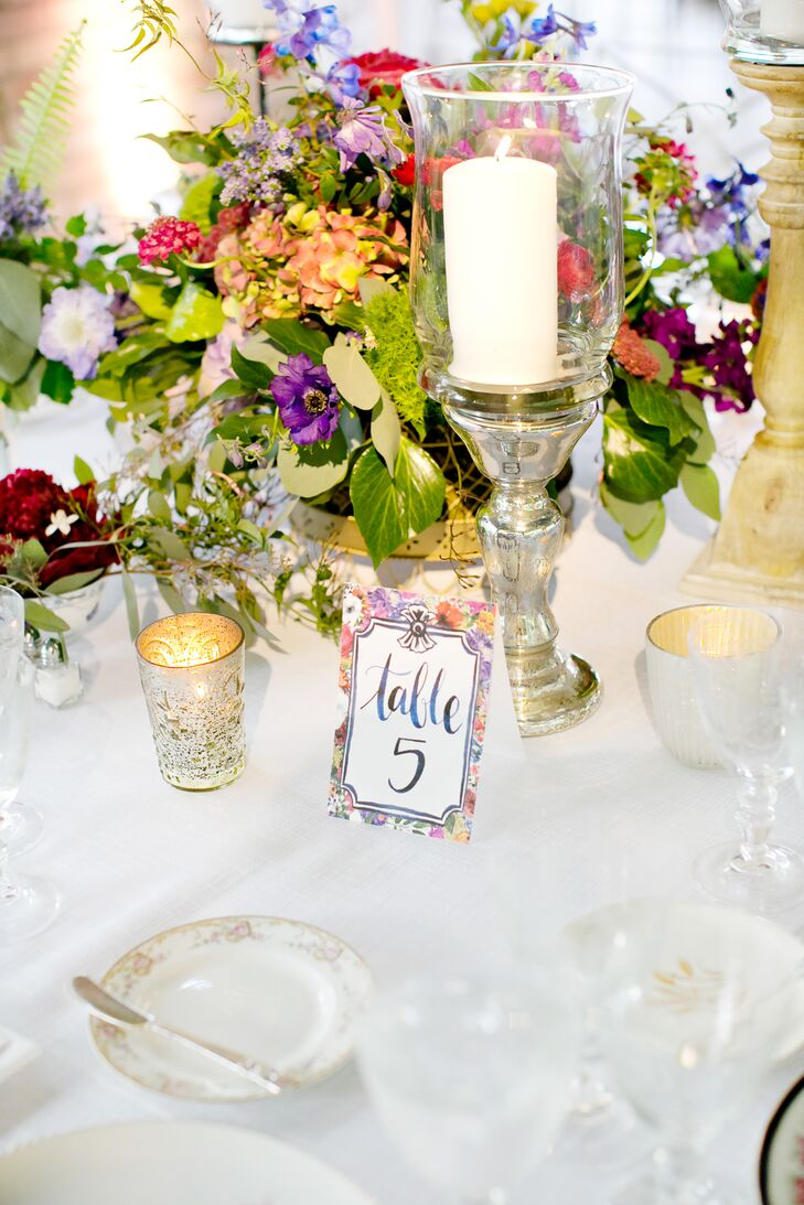 Vintage lace table runners, cut-glass goblets and eco-friendly paper goods greeted guests at the dinner tables. Candles created a dinner party atmosphere, while seasonal blooms flowed from low vases.