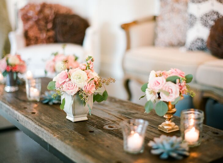 Vignettes with vintage furnishings added to the evening's overall atmosphere, while providing guests with a cozy place to kick back as they sipped on signature drinks and indulged in playful pairings like miniature glasses of Guinness and sliders.