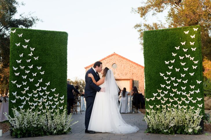 Jennifer Parker and Jonathan Kaplan threw a whimsical garden wedding with subtle French flair. Jennifer's love of all things French — which grew out o