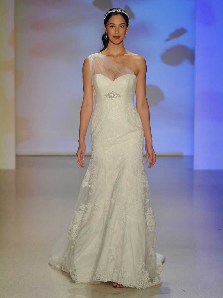 Alfred Angelo Spring/Fall 2017 Collection: Bridal Fashion Week Photos
