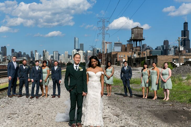 The Chicago, Illinois, skyline made an impressive background for wedding party shots.