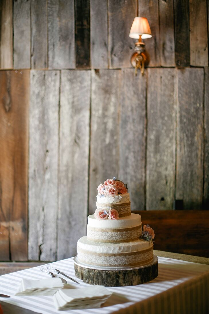 Katharine's cousin made her wedding cakes, and did an amazing job. Katharine included burlap around the base of the tiers to tie in the rustic, Southern wedding theme. Marc is originally from Detroit, so he had a Red Wings hockey-themed groom's cake.
