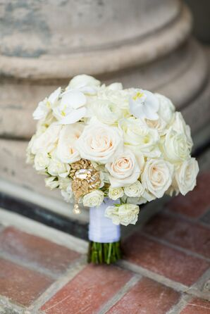 Glamorous Bouquet of White Roses with Gold BRoach