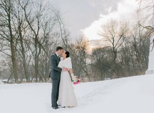 Jadi Falaschi (35 and works in marketing) and Brady Endl (32 and works in finance) met in their apartment building—he lived in t