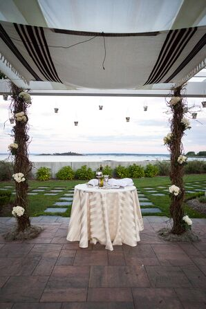 Natural Vine-Wrapped Wedding Chuppah