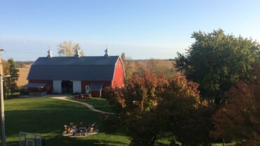 The Red Barn Farm of Northfield - Minutes from Cities!