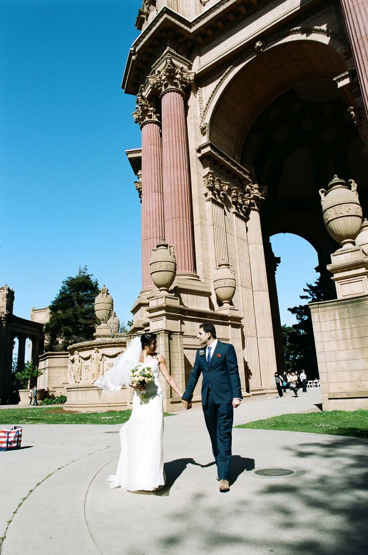 Mona and Iman chose to hold their reception at the Palace of Fine Arts. They wanted to keep the ceremony in their home city and find a venue with a romantic feel.