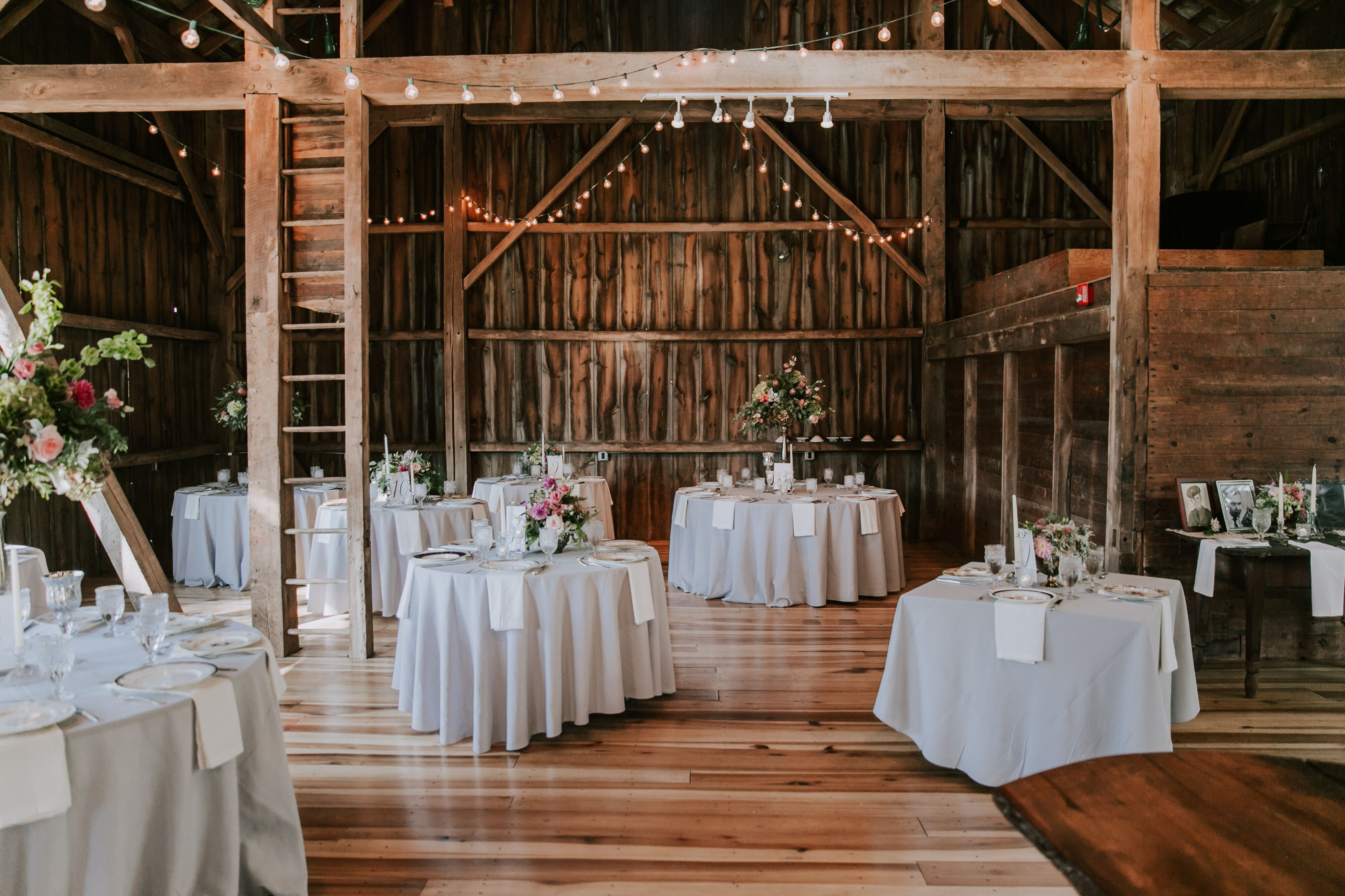 Wedding reception venues in akron oh the knot the barn at wolf creek junglespirit Image collections