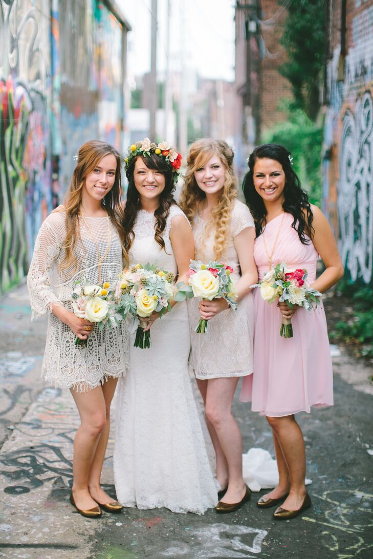 To go with the day's bohemian undertone, Kenzi had each of her eight bridesmaids choose their own dresses, requesting only that they stick to a palette of soft, neutral hues. To create a cohesive look, the women wore matching gold flats, knotted Gatsby-inspired necklaces and fresh white flowers in their hair.