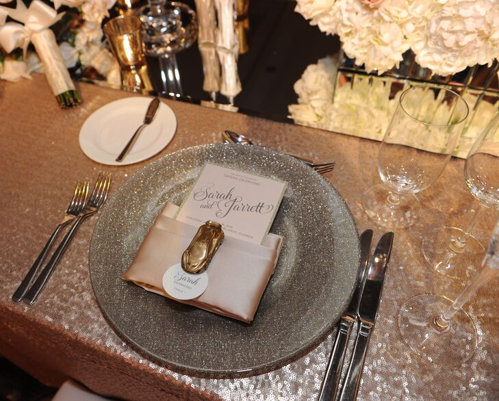 Bringing further elegance, luxury linens appeared on all the tables at  the Waldorf Astoria in Orlando, Florida. There were four to five linen variations, all with an element of sparkle. Charger plates also caught the light with their glistening design.