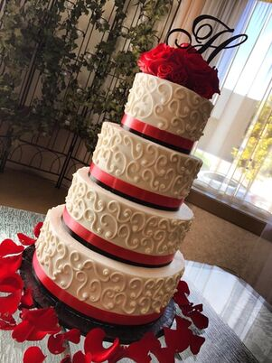 wedding cake bakeries in omaha ne the knot. Black Bedroom Furniture Sets. Home Design Ideas