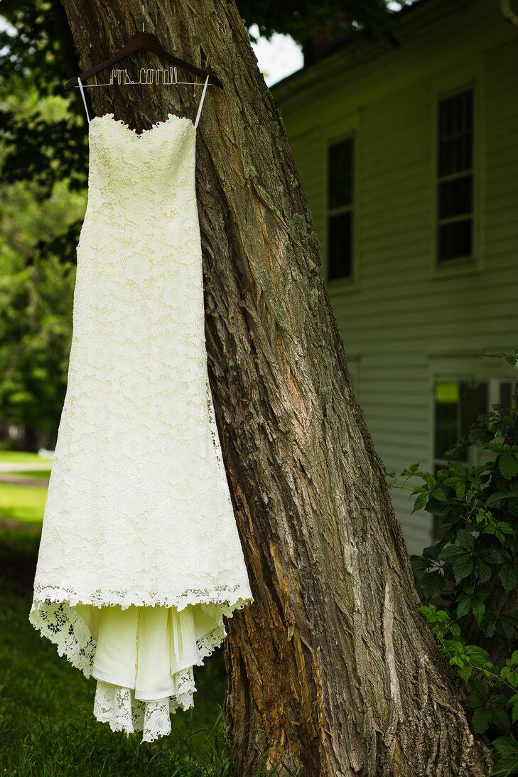 Strapless Marisa Bridals Wedding Dress