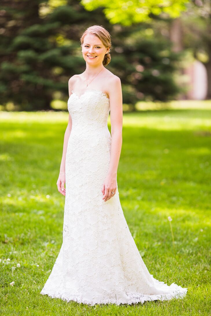 Reagan donned a simple yet elegant floor-length strapless gown by Marisa Bridals with a sweetheart neckline. She purchased the dress at Julie Allen Bridal in Newtown, Connecticut.