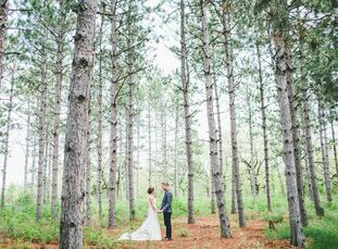 "For their formal forest nuptials, Rachel and Brent wanted to have ""the fanciest picnic of all time."" A timeless color palette of white, gold and blue"