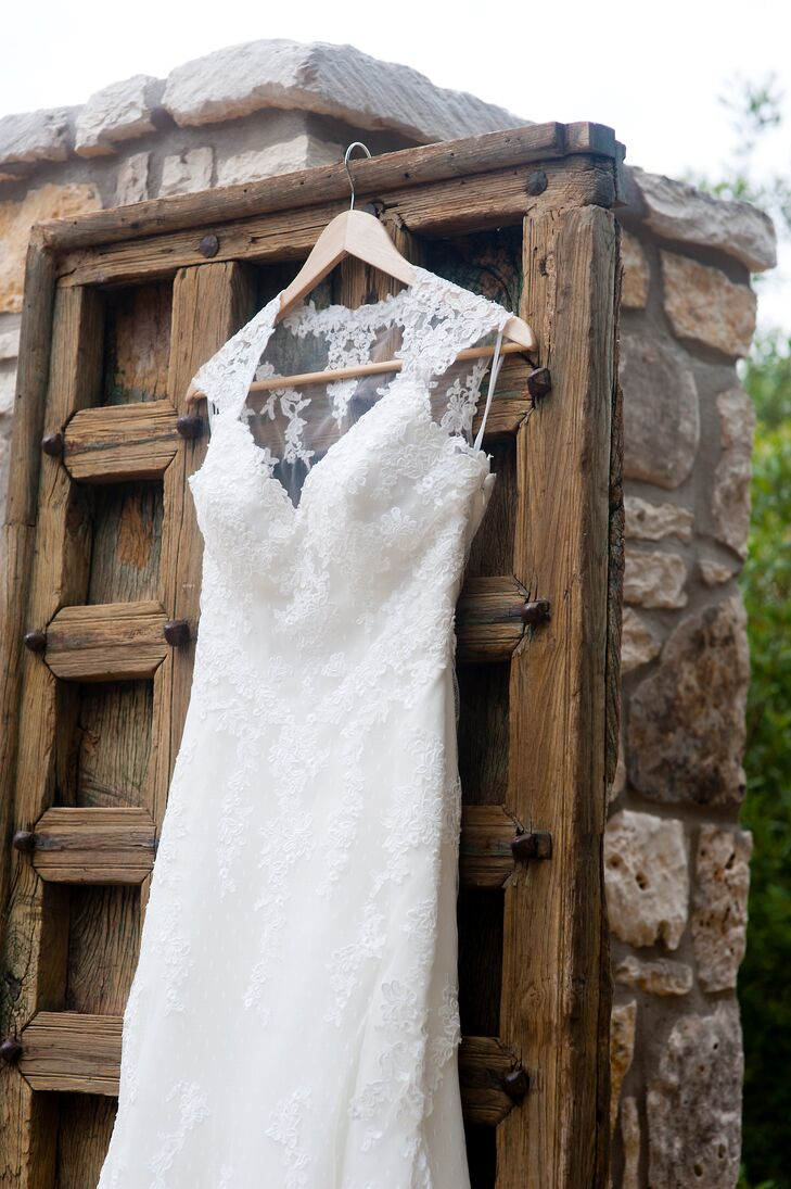 """Shelby wore the """"Laren"""" wedding dress by Pronovias, which featured a sweetheart neckline with straps and a sensual semi-sheer back with floral appliques, a flared skirt and a scalloped hem."""