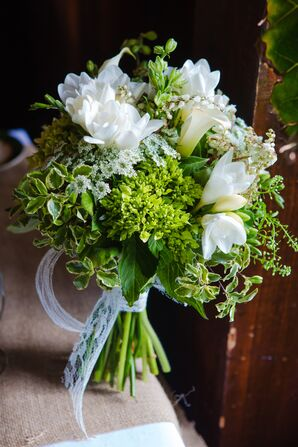White Lily, Queen Anne's Lace Bouquet