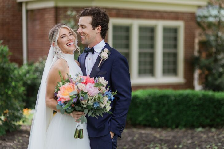 When Libby Carter and Carlton Zesch planned their wedding, they decided that no color was off limits. The result was a vibrant and whimsical Saturday