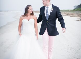 Dresden Matson, 24, a pro-performance sports trainer, and Peter Muncy, 25, an Airforce officer, met each other during college during their sophomore y